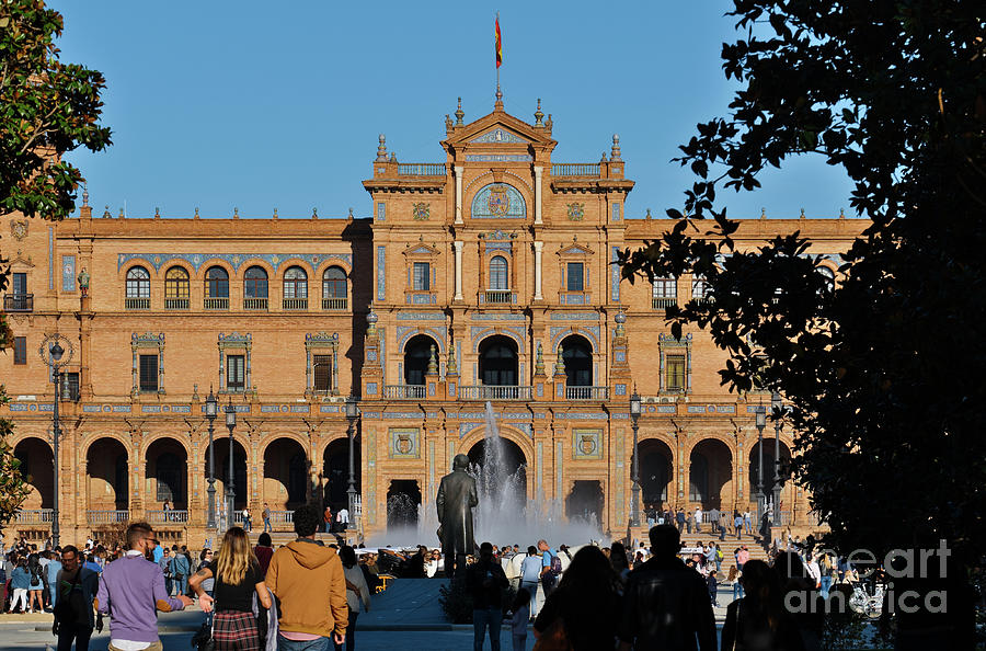 Spain Square at Saturday by Angelo DeVal