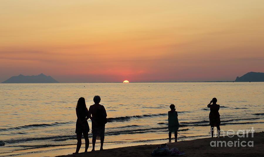 Sperlonga sunset by Peter Skelton