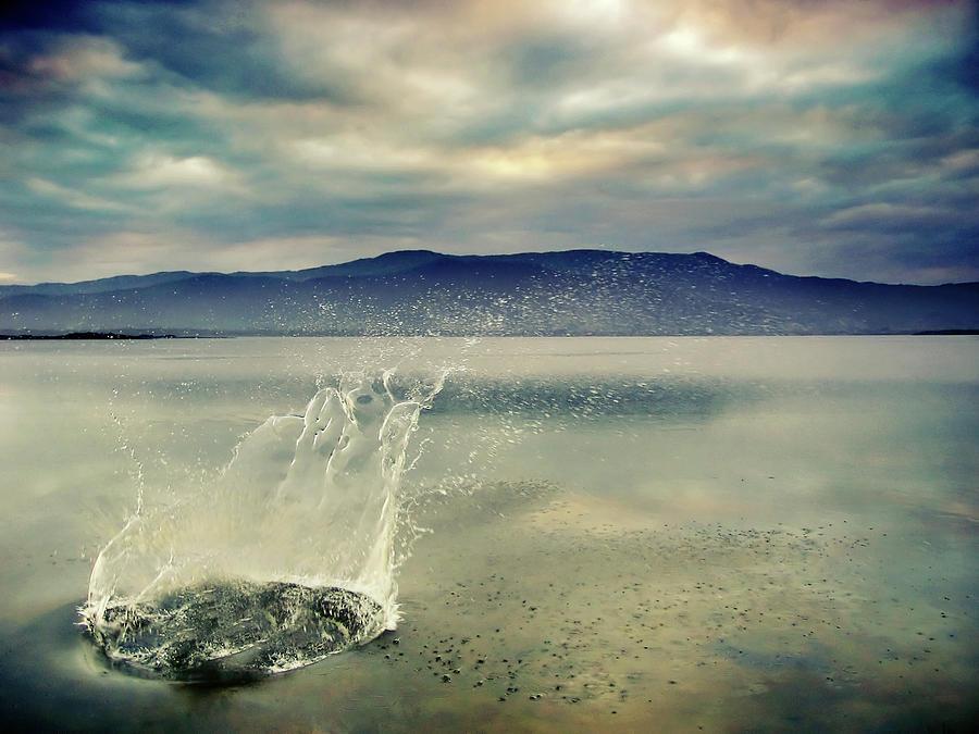 Splash Crown In Water Photograph by Andre Bernardo