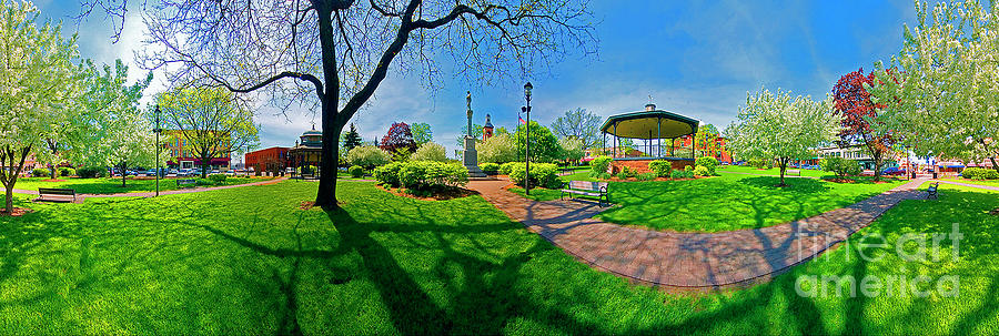 Spring Time in Wood Stock Square 360 pan  by Tom Jelen