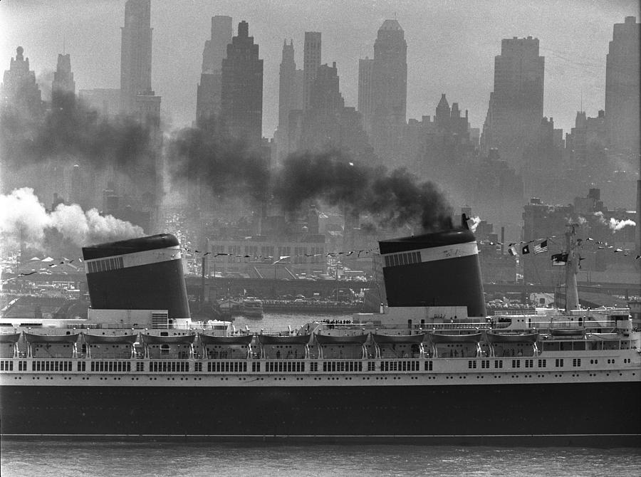 S.s. United States Sailing In New York Photograph by Andreas Feininger