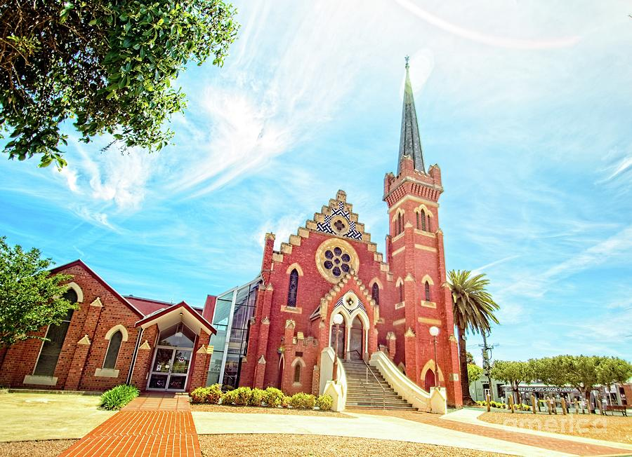 St Andrew's Uniting Church 3 by Graham Buffinton