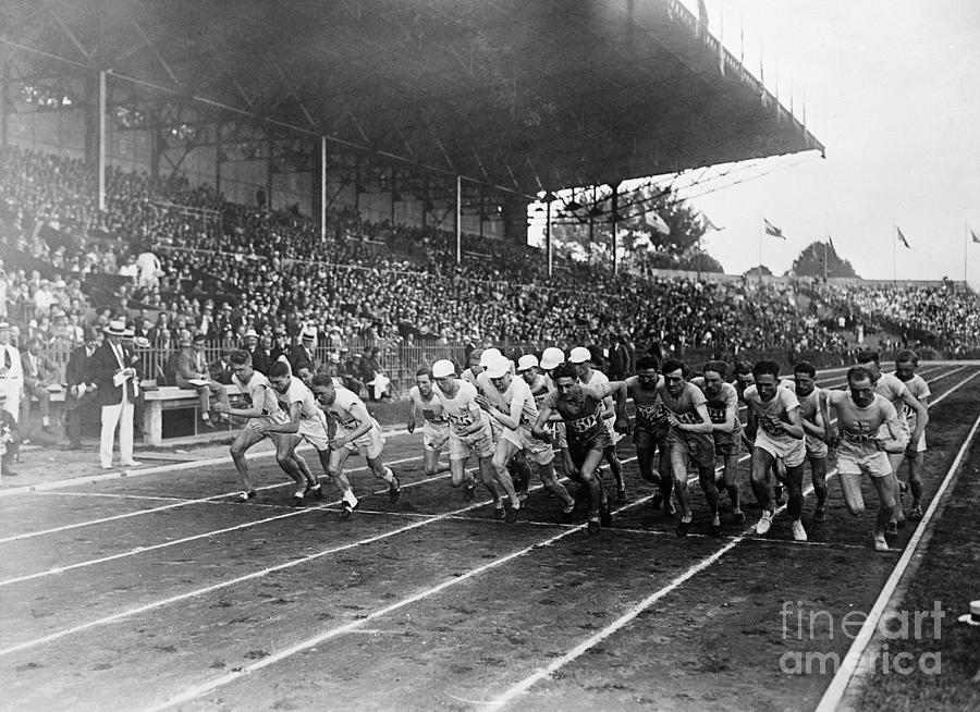 Start Of 3,000 Meter Olympic Race Photograph by Bettmann