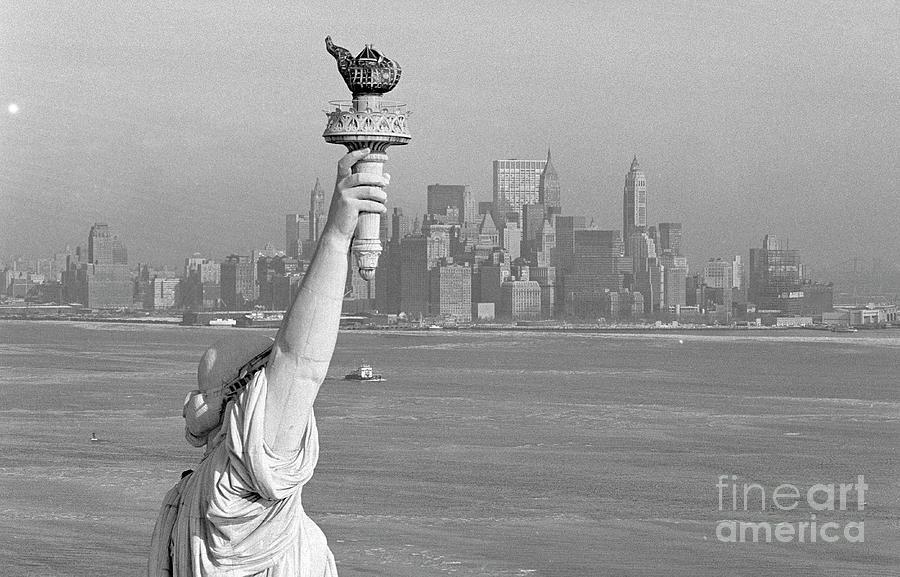 Statue Of Liberty Photograph by Bettmann