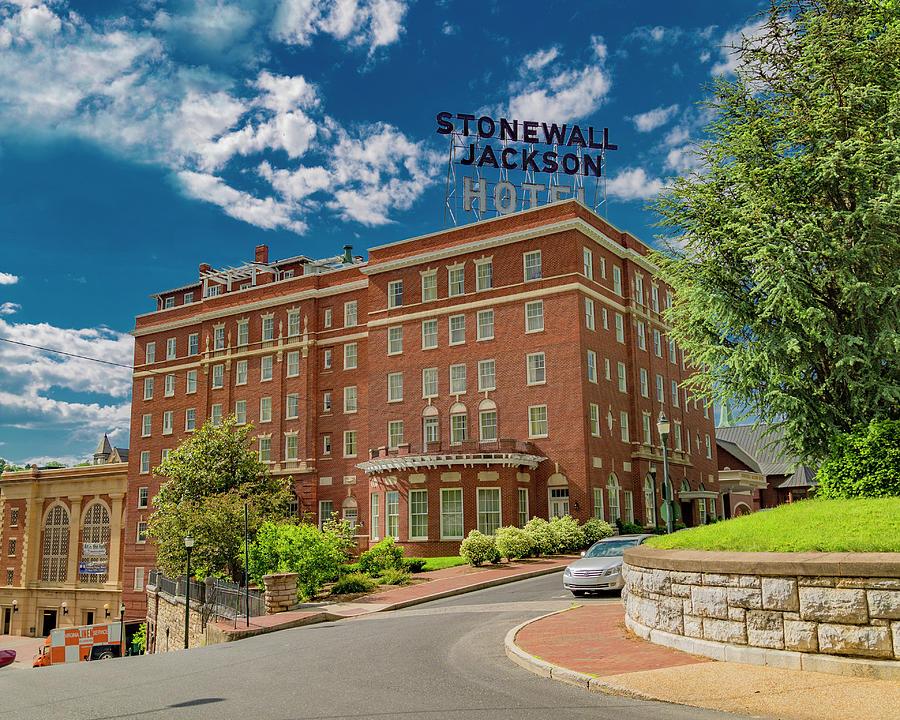 Stonewall Photograph - Stonewall Jackson Hotel by Betsy Knapp