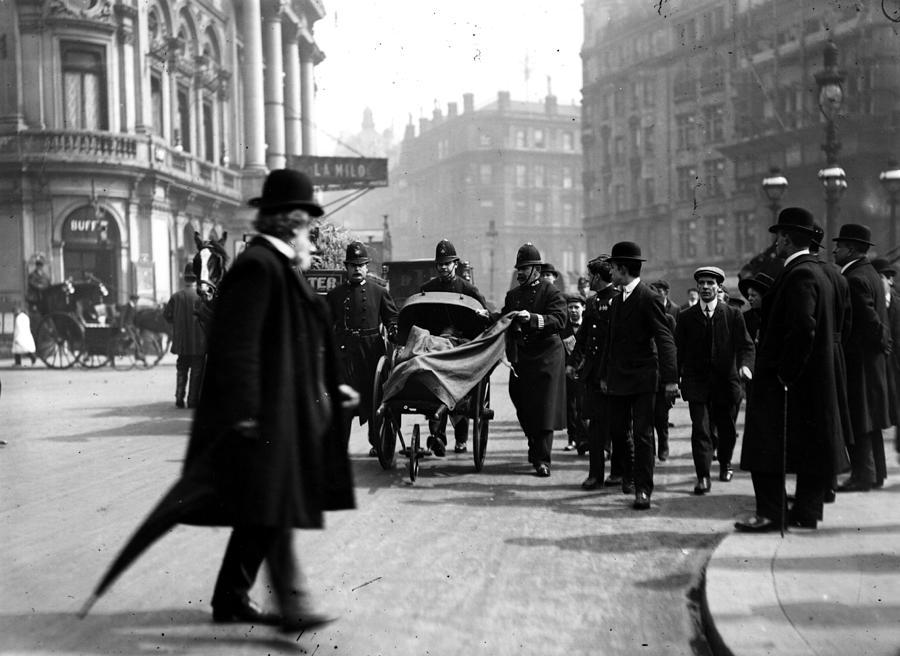 Street Ambulance Photograph by Hulton Archive