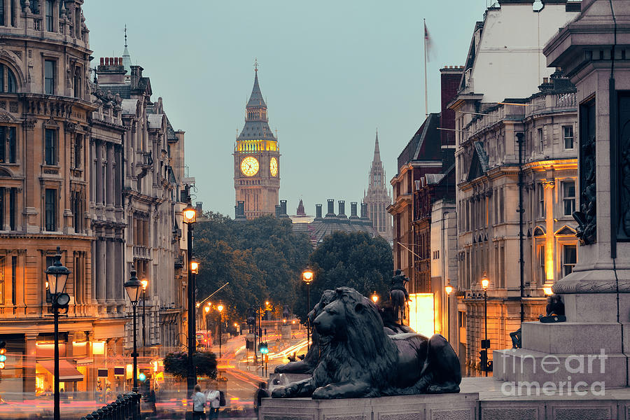 Big Photograph - Street View Of Trafalgar Square At by Songquan Deng