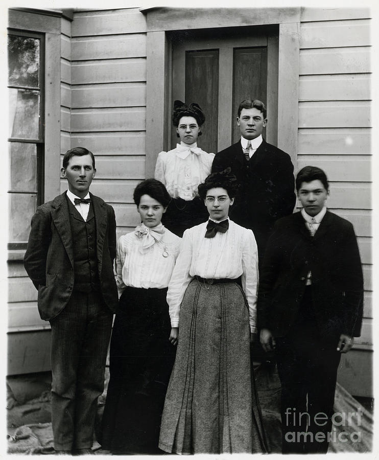 Students Standing At School Doorway Photograph by Bettmann