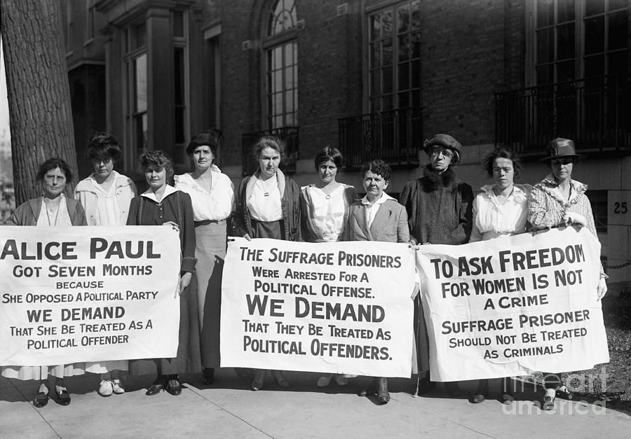 Suffragettes Picketing Outside Jail Photograph by Bettmann