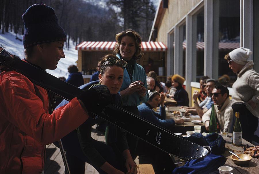 Sugarbush Skiers Photograph by Slim Aarons