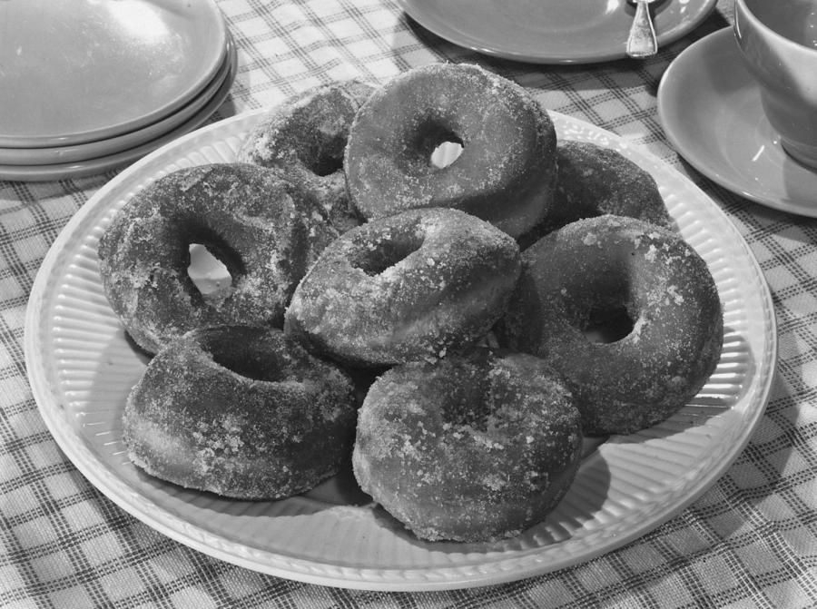 Sugared Donuts Photograph by Hulton Archive