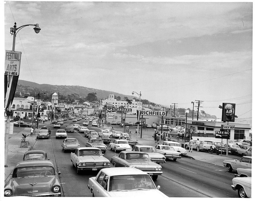 Sunday Traffic In Laguna Beach Photograph by American Stock Archive