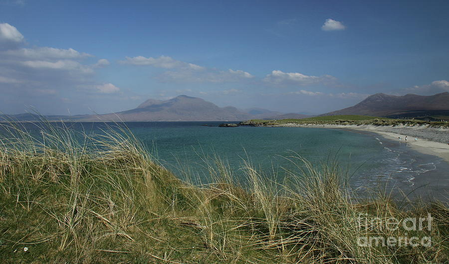 Sunny day's Connemara by Peter Skelton