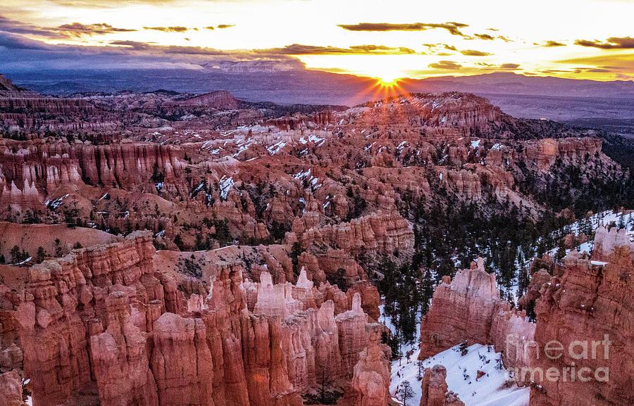 Sunrise at Bryce Canyon by Bob Lentz