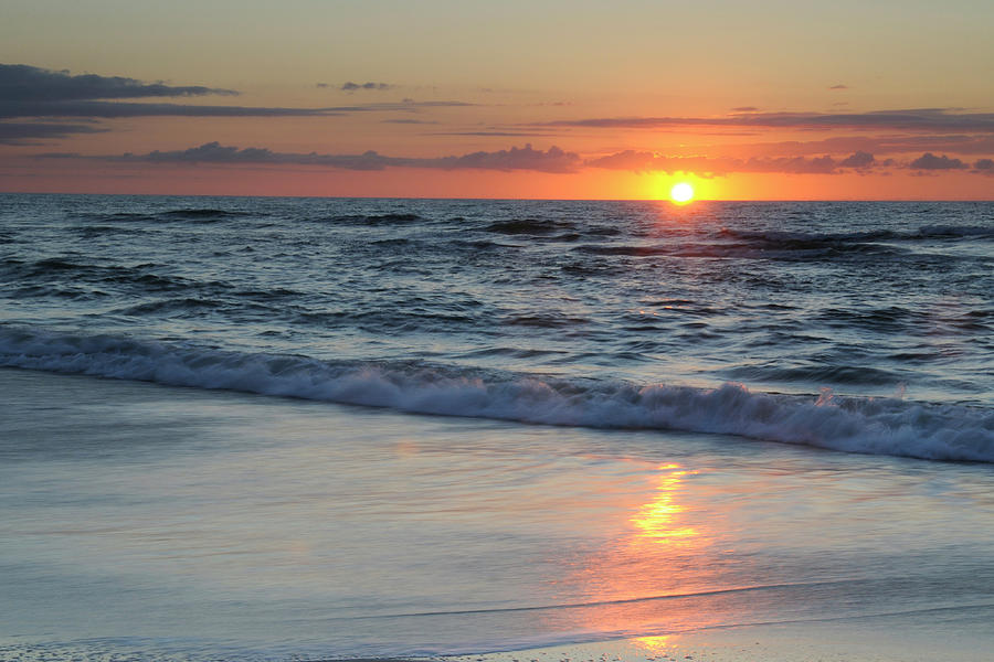 Pic of sunrise over ocean