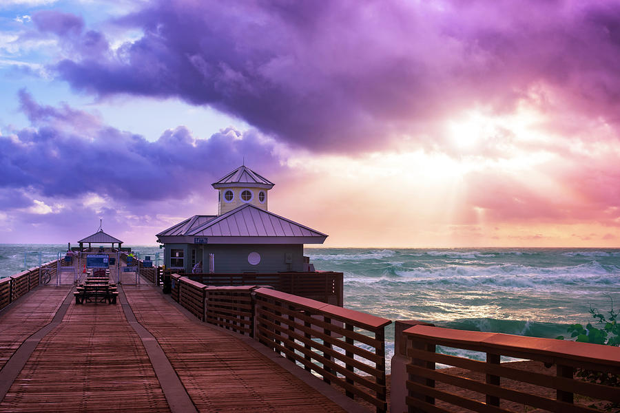 Sunrise Vibes - Juno Pier by Laura Fasulo