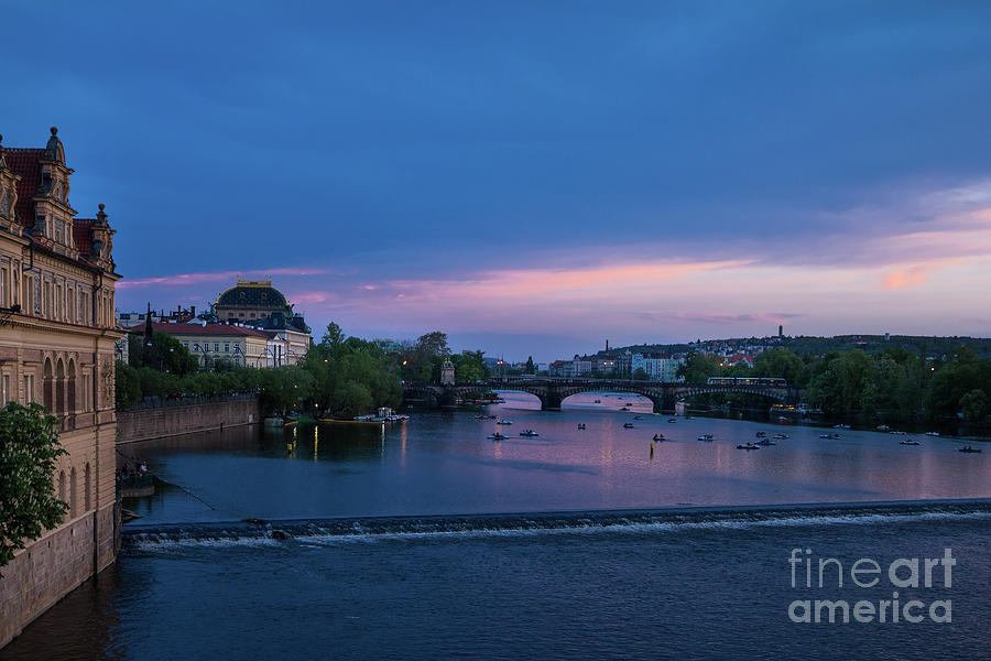 Sunset on Vltava in Prague by Les Palenik