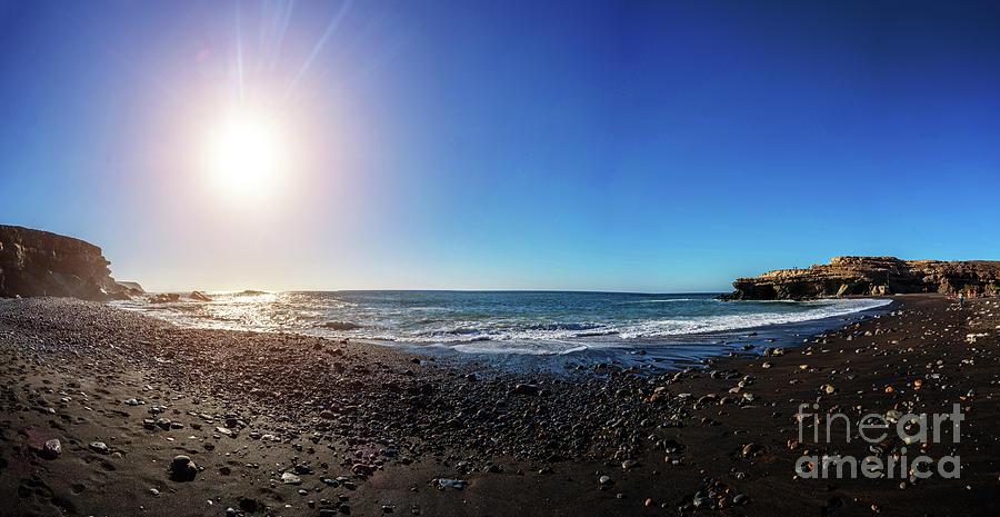 Outdoors Photograph - Sunset Over Coast by Wladimir Bulgar/science Photo Library