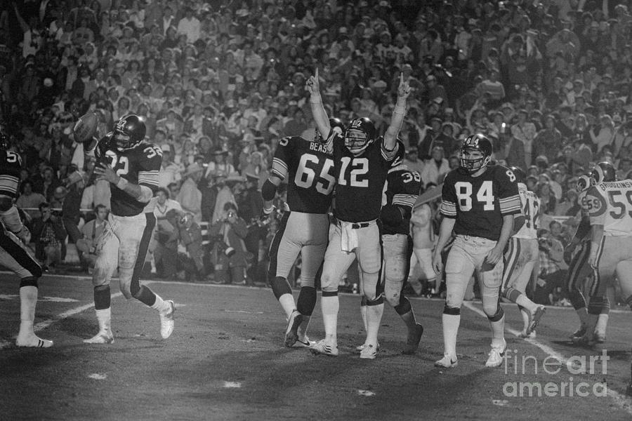 Super Bowl Xiv Photograph by Bettmann