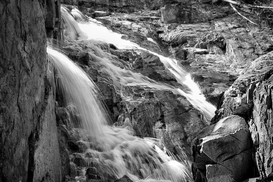 Superior Falls 10091901 by Rick Veldman