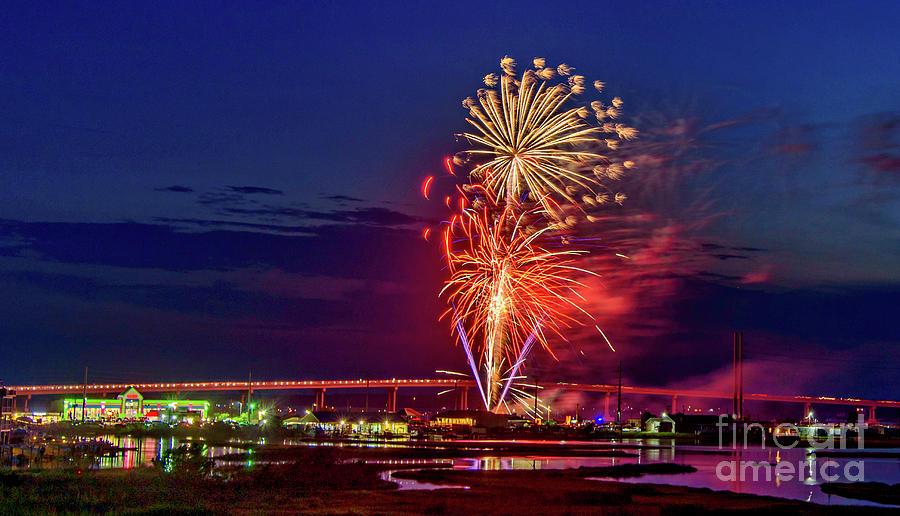 Surf City Fireworks 2019-2 by DJA Images