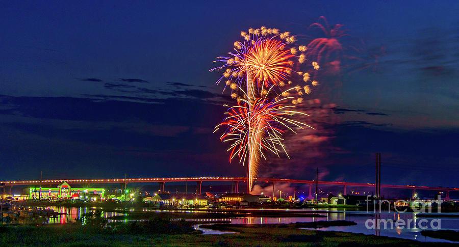 Surf City Fireworks 2019-3 by DJA Images
