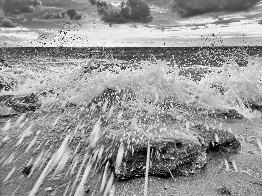 Surf Splash No 2 by Steve DaPonte