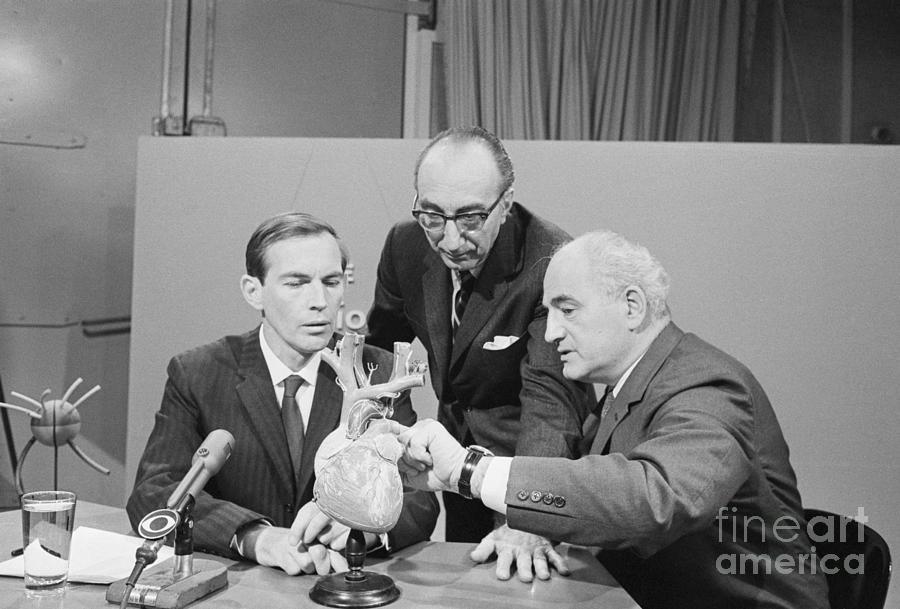 Surgeons Discuss First Heart Transplants Photograph by Bettmann