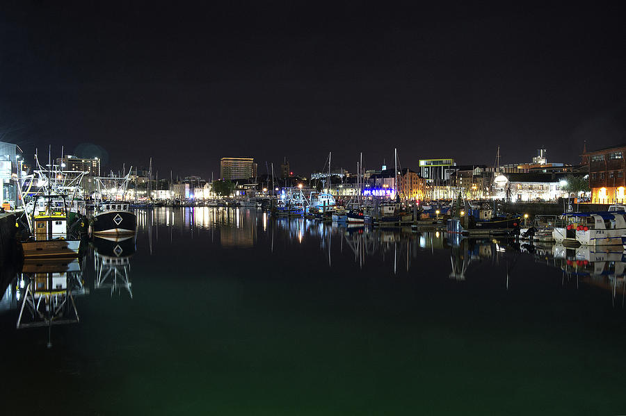 Sutton Harbour Night by CHRIS DAY