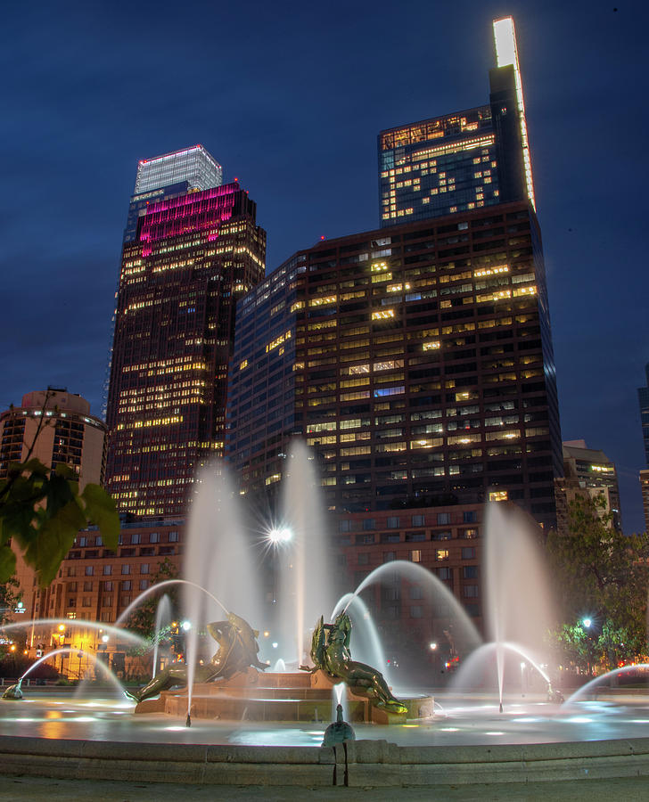 Swann Photograph - Swann Fountain And The Comcast Towers by Bill Cannon