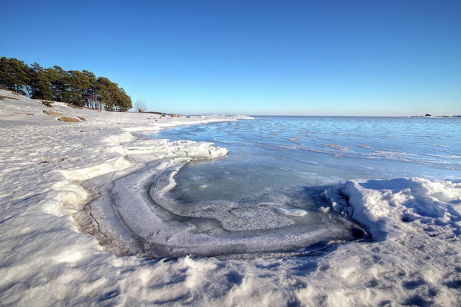 Swedish Archipelago In Winter Photograph by Johan Klovsjö