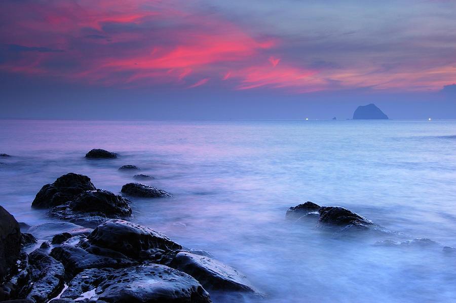 Taiwan North Coast At Dawn Photograph by Maxchu