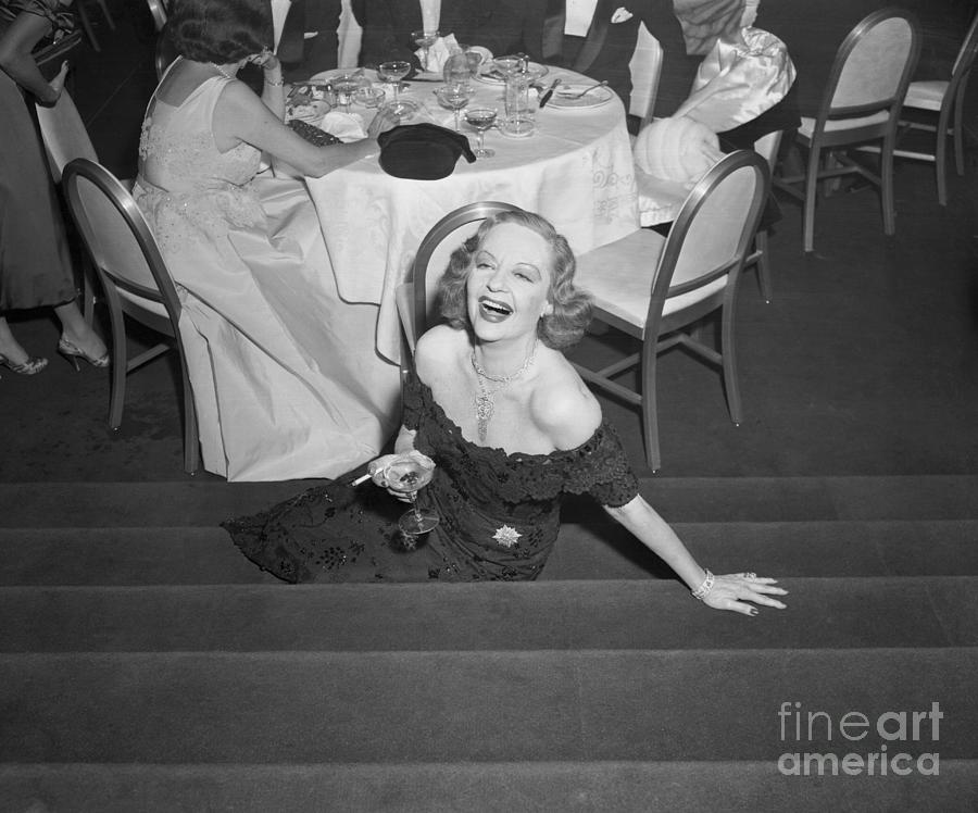 Tallulah Bankhead With Drink In Hand Photograph by Bettmann