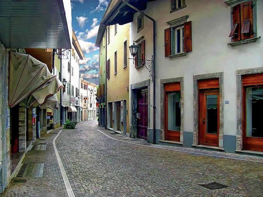 Tarcento Street Scene by Anthony Dezenzio