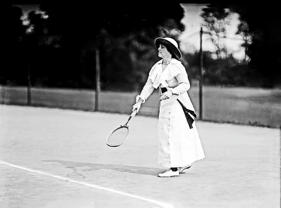 Tennis in 1913 by Carlos Diaz