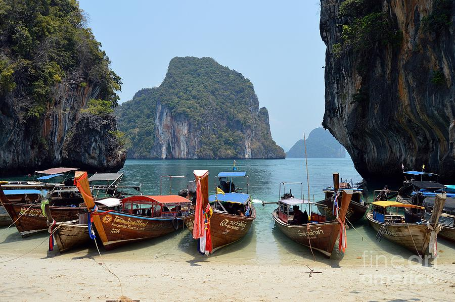 THAI Longboats by Thomas Schroeder
