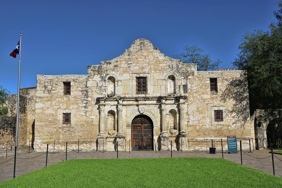 The Alamo - San Antonio by Allen Beatty