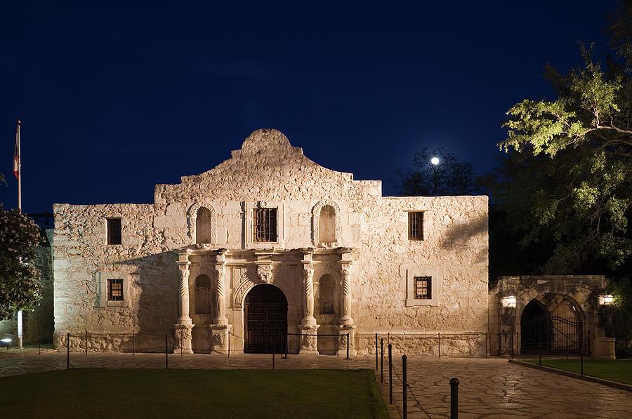 The Alamo, San Antonio Texas With Full Photograph by Dhughes9