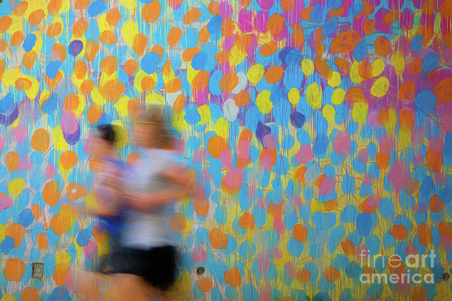 THE ART OF RUNNING COLOR by Doug Sturgess