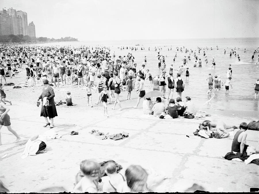 The Beach Crowd Photograph by Chicago History Museum