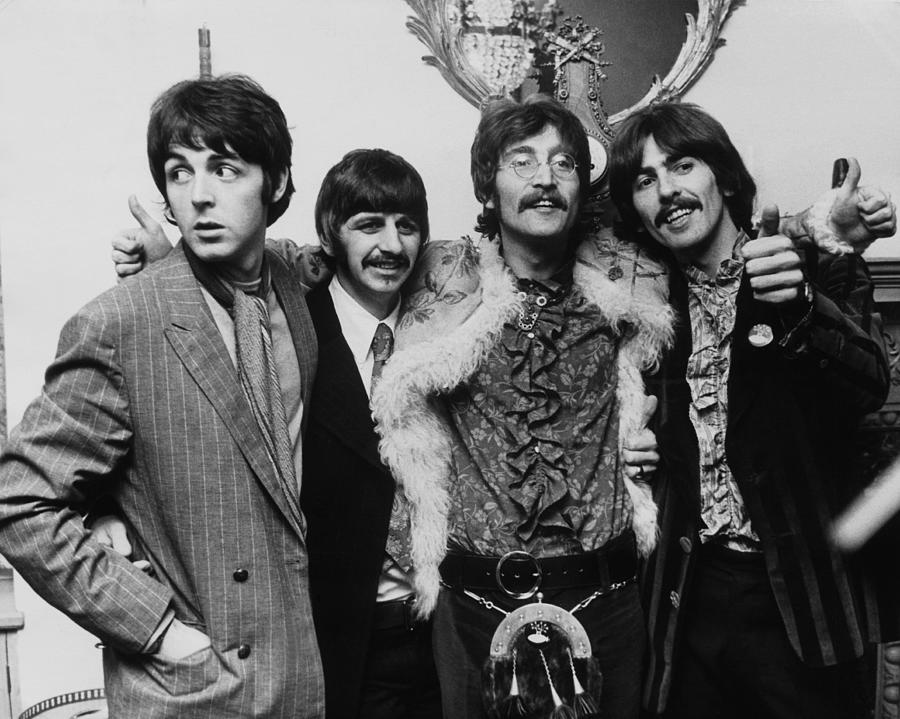 Releasing Photograph - The Beatles In 1967 by Keystone-france