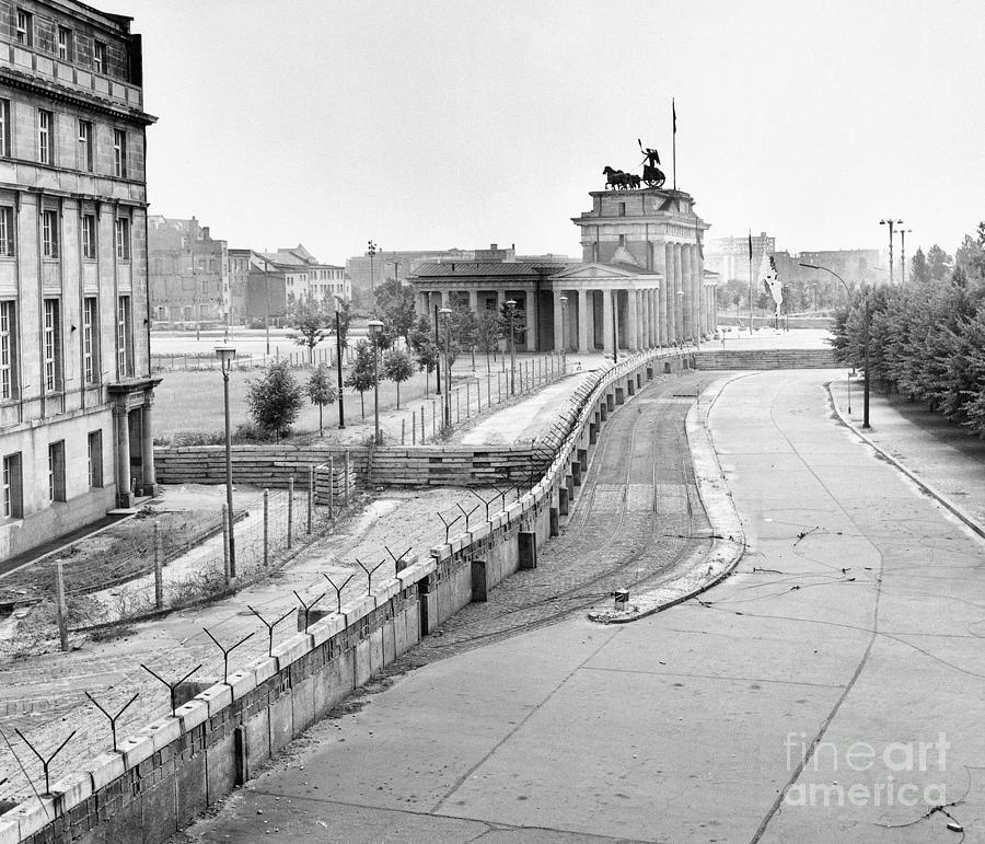 The Berlin Wall Photograph by Bettmann