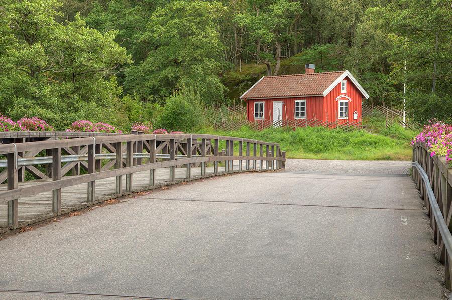 The Bridge Cottage 01076 Photograph