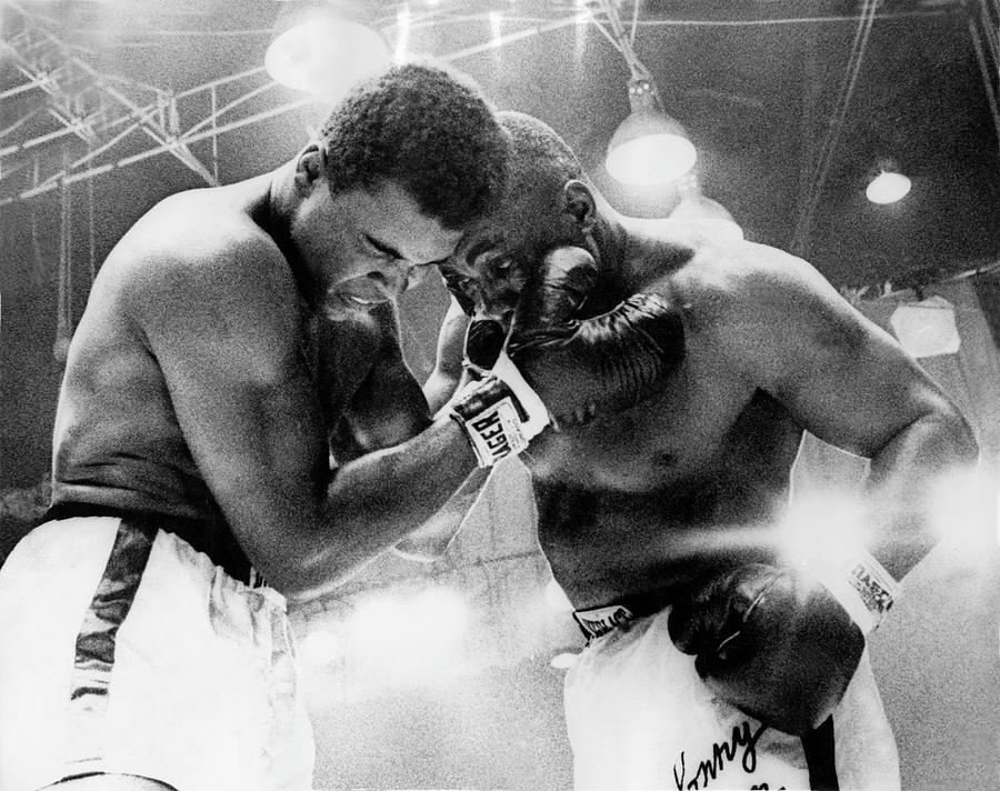 The Cassius Clay Vs Sonny Liston World Photograph by Keystone-france