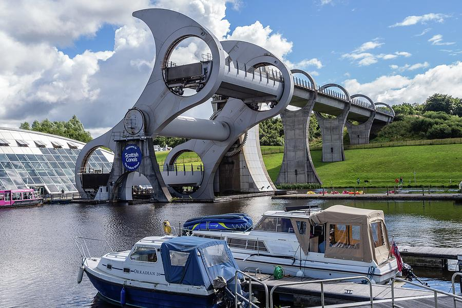 The Falkirk Wheel by James Lamb