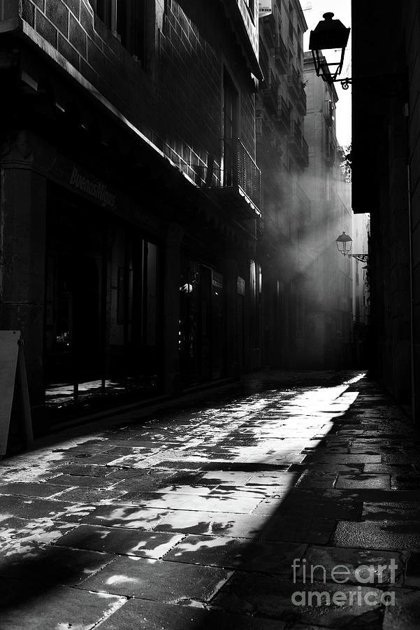 The Gothic Quarter Of Barcelona Photograph by Sergi Escribano