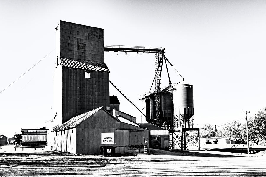 South Dakota Photograph - The Grain Elevator by Jim Thompson