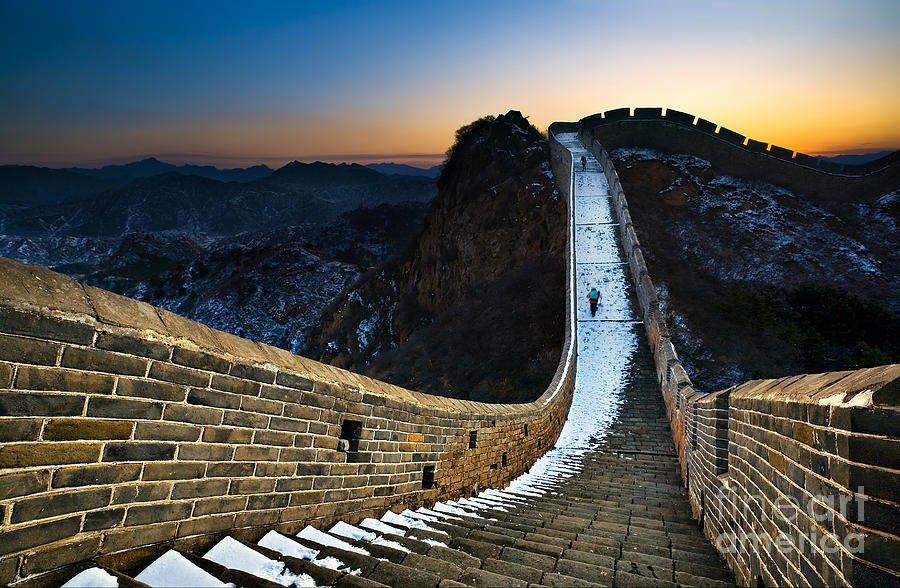 Cold Photograph - The Great Wall by Jun Mu
