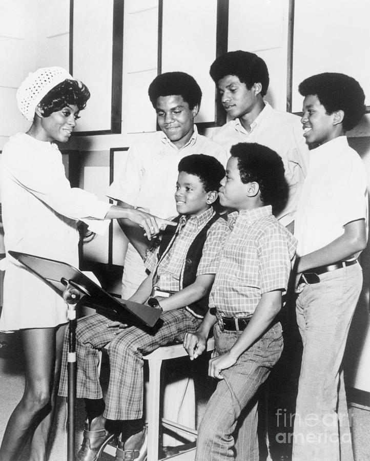 The Jackson 5 With Diana Ross Photograph by Bettmann