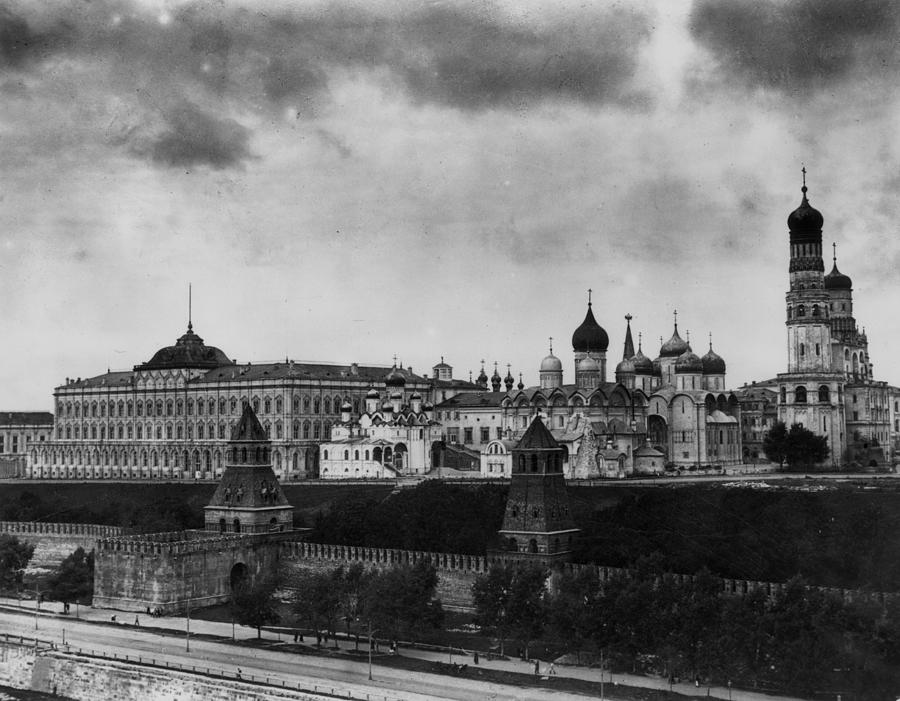 The Kremlin Photograph by Topical Press Agency